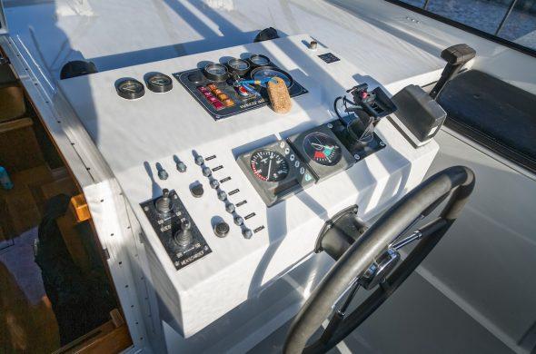 Ottenhome Heeg Foto: Motorboot Vri-Jon Contessa 1200