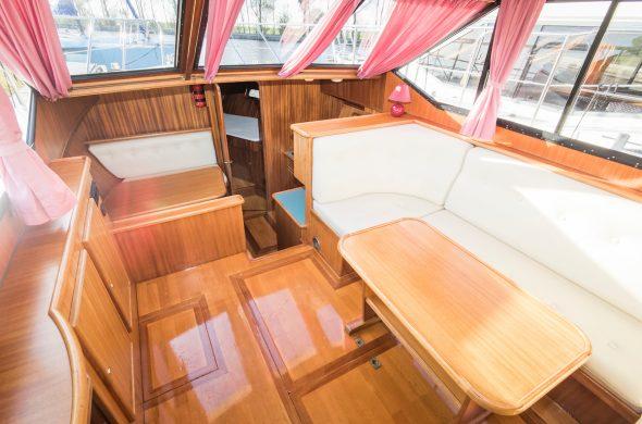 Ottenhome Heeg Foto4: Motorboot Vri-Jon Contessa 1200