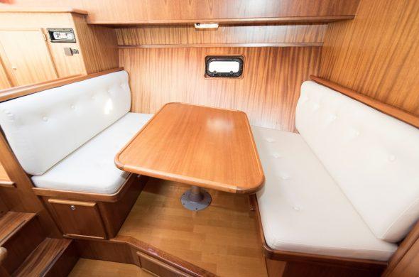 Ottenhome Heeg Foto3: Motorboot Vri-Jon Contessa 1200