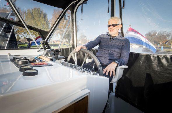 Ottenhome Heeg Foto10: Motorboot Vri-Jon Contessa 1200